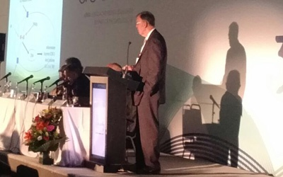 Dr. Sears Lecturing in Brazil